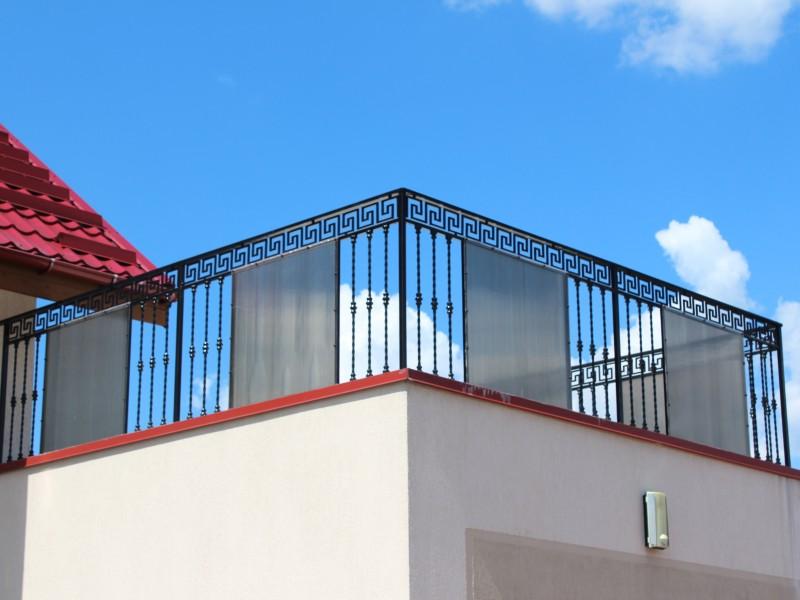 Metaliniai balkono tureklai Midama