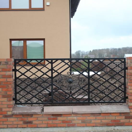 Metaline tvora su archaiska tvora Midama