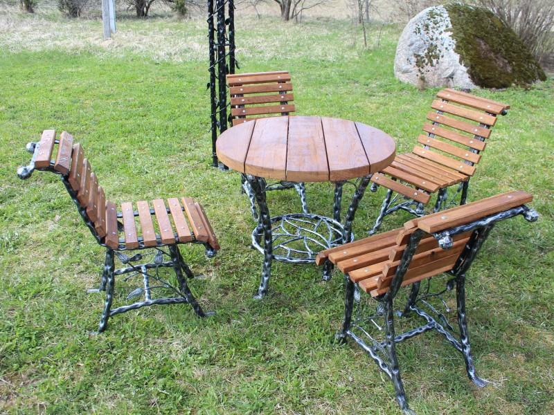 Metaliniai baldai Midama