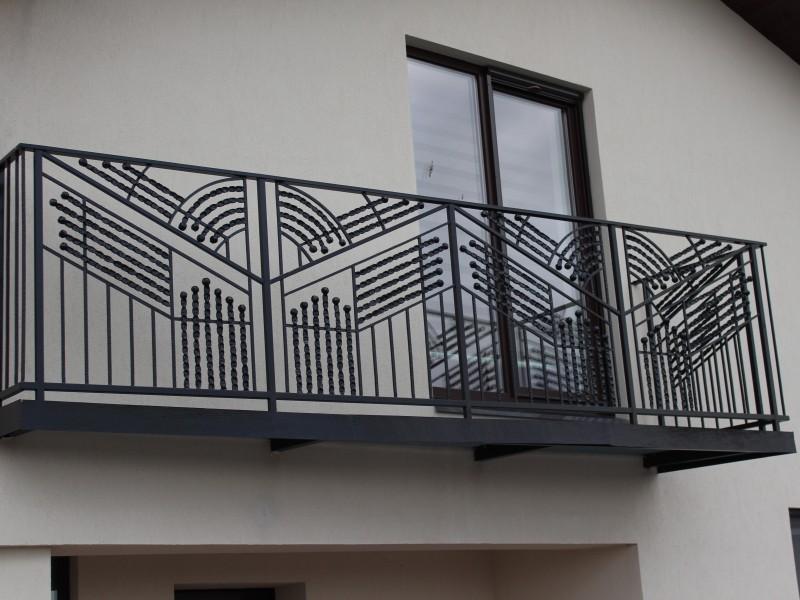 Balkono apssauginiai tureklai su sukto metalo akcentais